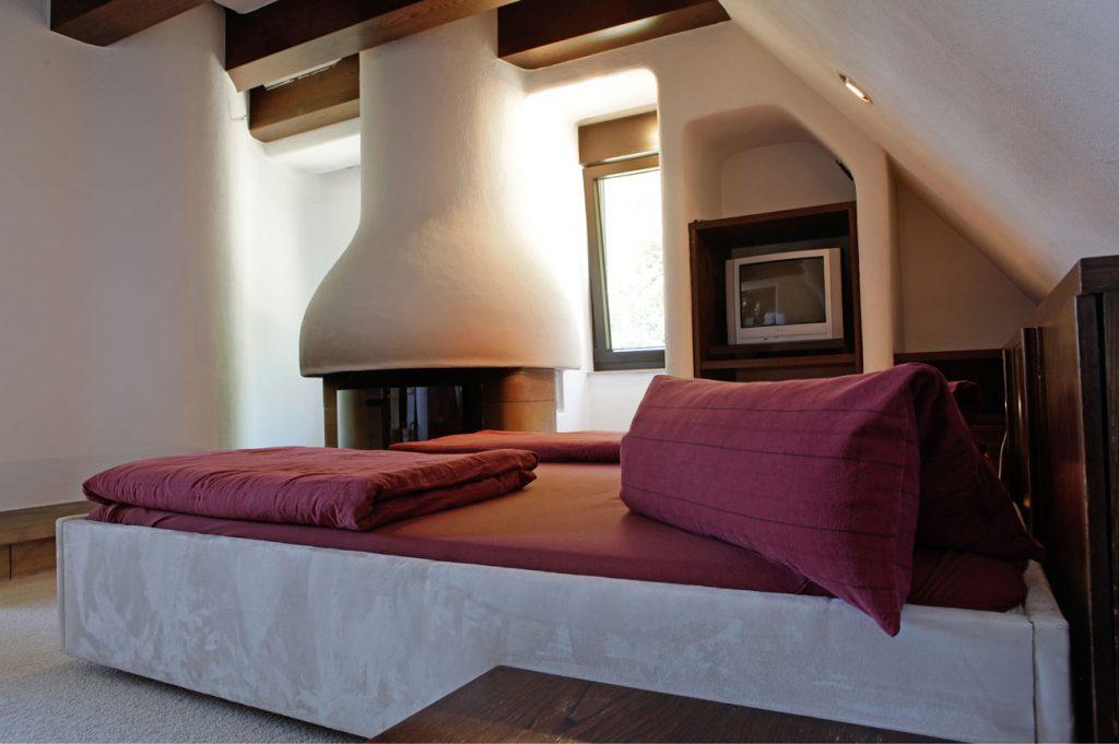 Eremitage Dahn Kamin- und Schlafbereich